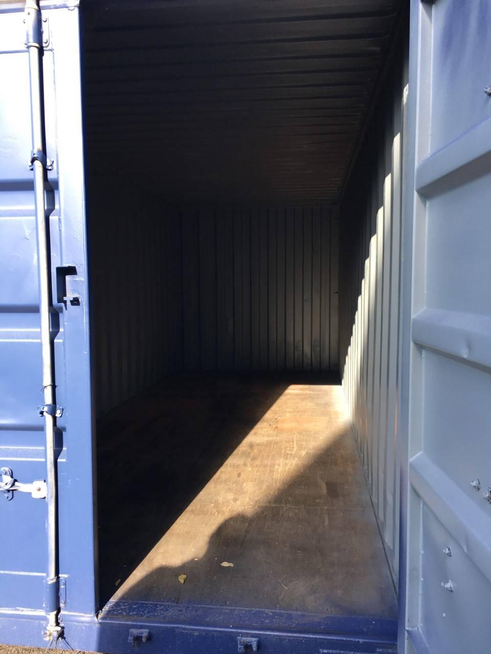 louer un espace de stockage pour des v los box stock. Black Bedroom Furniture Sets. Home Design Ideas